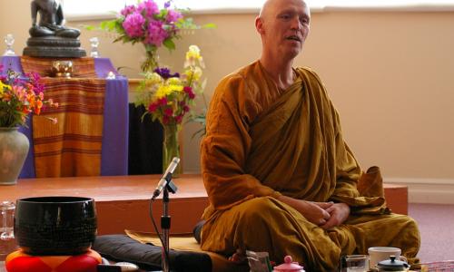 Что такое Тхеравада?  —  Аджан Сучитто