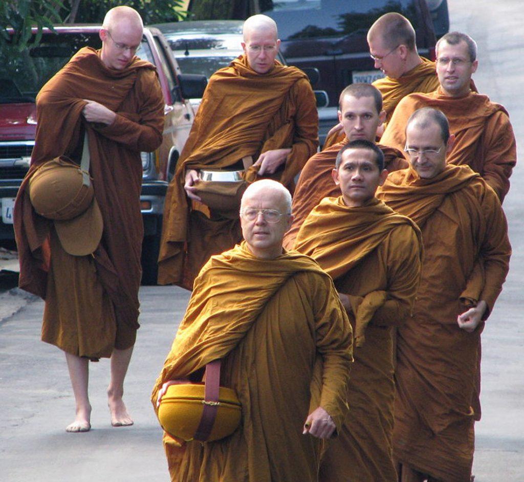 Смешные картинки с монахами, для дяди своими