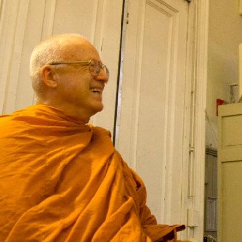 О пользе уединения — Тханиссаро Бхиккху